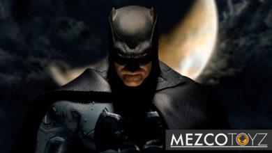 Photo of Mezco Toyz concluye su trilogía del Caballero Oscuro