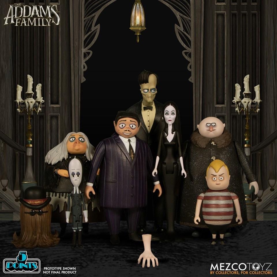 Mezco Toyz Trae De Regreso A Los Locos Addams Nacion Juguetes