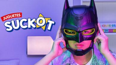 """Photo of Suckot celebra el día del Padre en Perú con Batman y campaña """"Pasa la capa a la nueva generación"""""""
